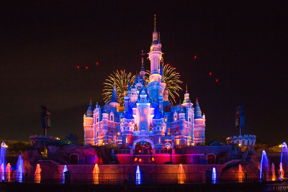 A photo taken on June 16, 2017 shows a fireworks performance at Shanghai Disney Resort. [Photo courtesy of Shanghai Disney Resort]